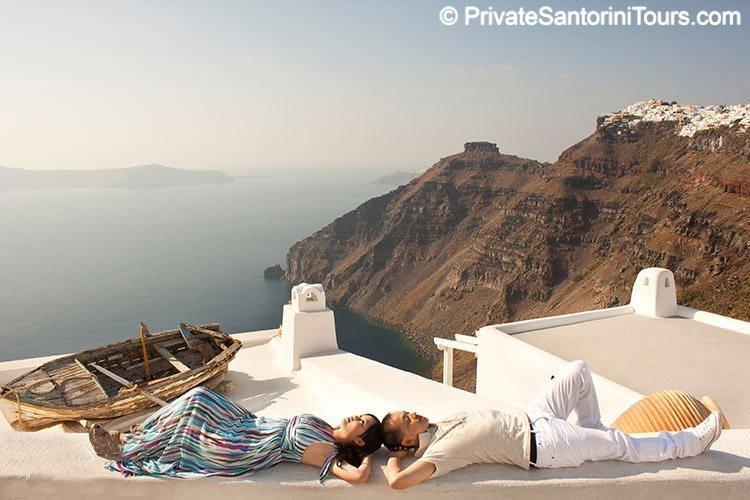 santorini pre wedding picture